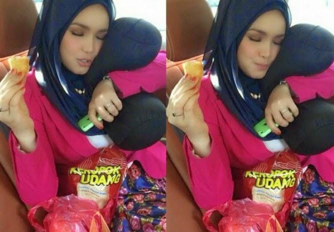 Gambar Datuk K Baring Berbantalkan Peha Gebu Datuk Siti Nurhaliza