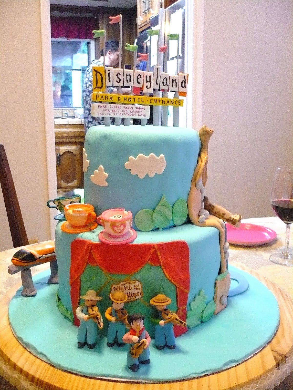 Disneyland Cake Images : The Wright Report: DISNEYLAND CAKE!