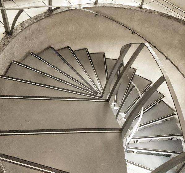 Escada Rochfer - Estrutura auto portante