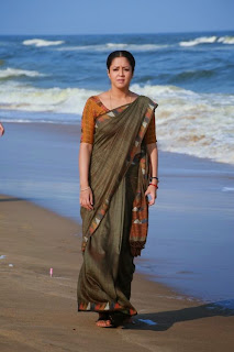 Jyothika Latest Pictures in Saree from 36 Vayadhinile