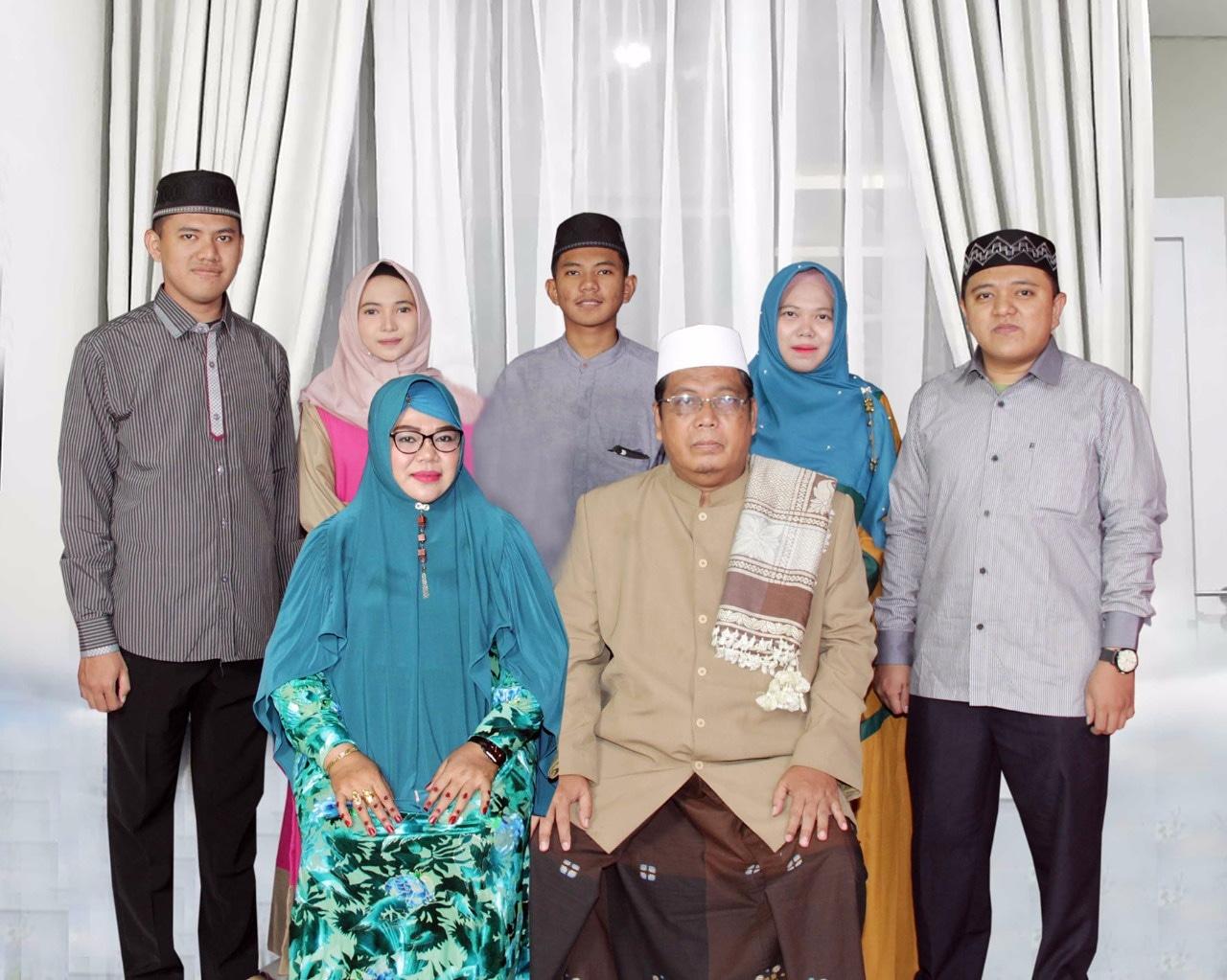 Keluarga Kyai Khaitami