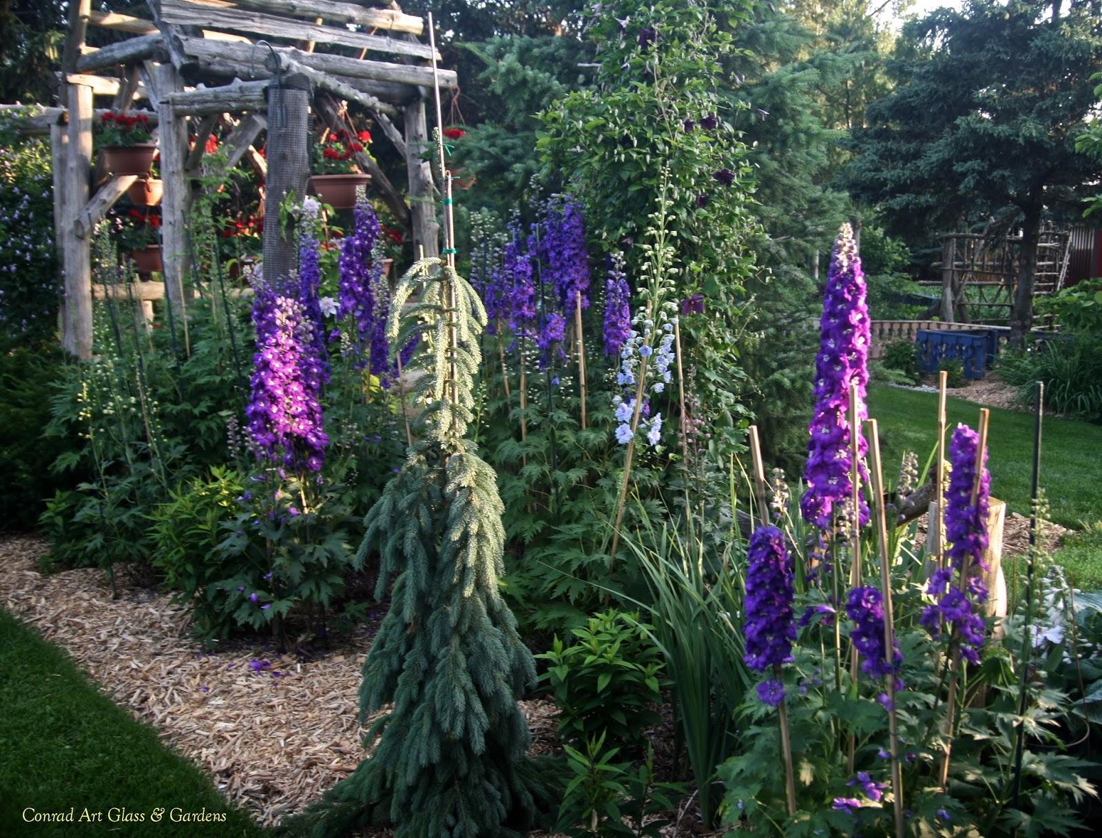 Conrad Art Glass & Gardens: Gardens on summer's edge