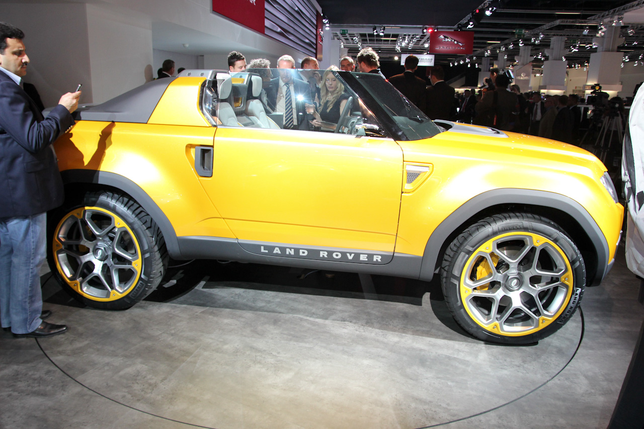 Frankfurt 2011: Land Rover DC100 and DC100 Sport Concept video ...