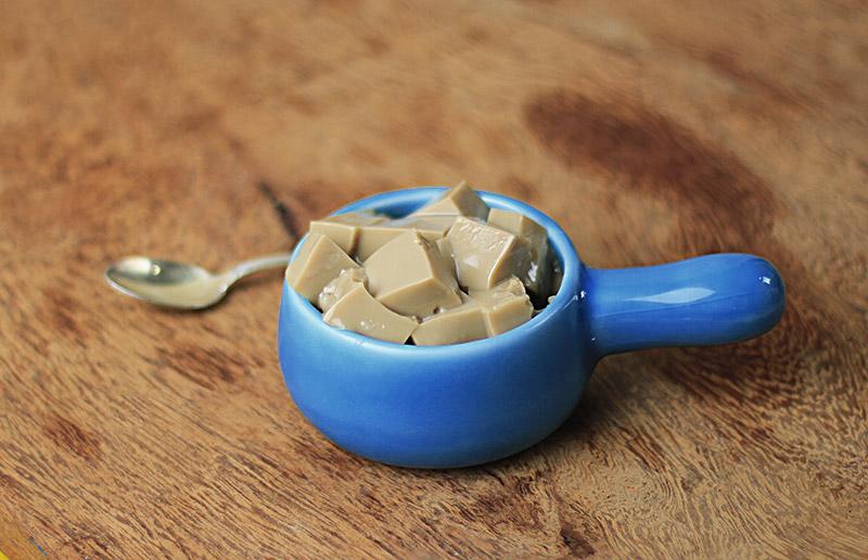 Pra se refrescar e não dormir: gelatina de café!