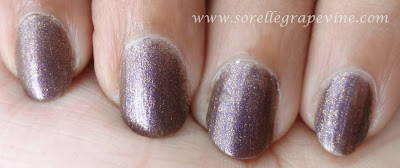 L'Oreal Color Riche Nail Paint in L'or Amethyst