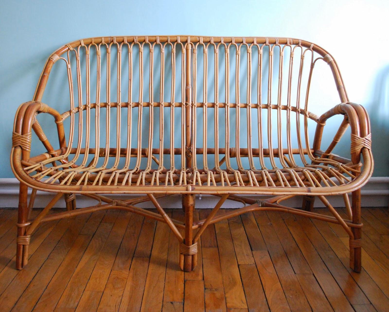 g n ration vintage banquette canap en rotin vendue. Black Bedroom Furniture Sets. Home Design Ideas