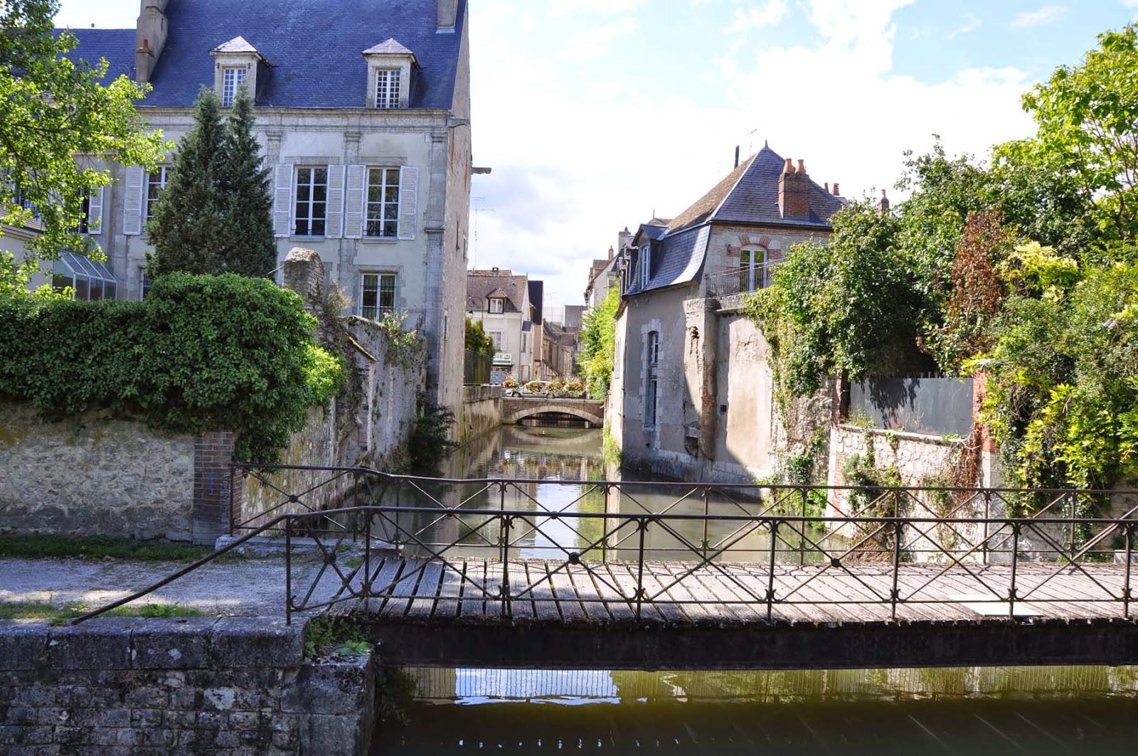 Oc an manor oc an manor sur le canal du loing le canal for Architecte montargis