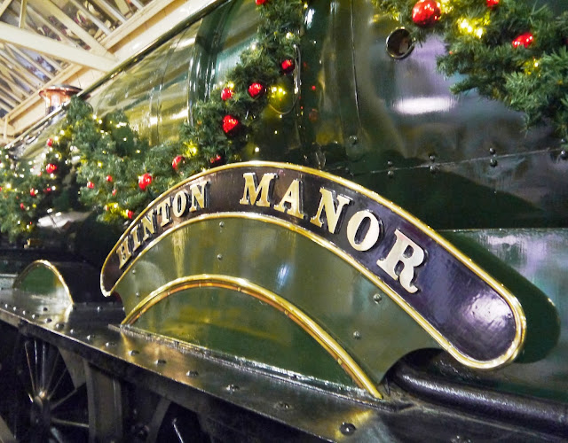 Hinton Manor GWR engine decorated for Christmas