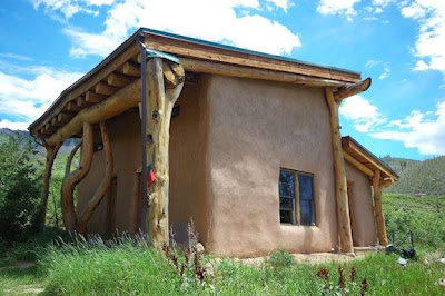 Mad coyote joe 39 s blah blah blog small strawbale home in for Cordwood house foundation