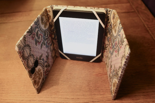 kindle stand diy