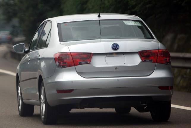 Volkswagen 39 s garage novo volkswagen santana aparece sem for Garage volkswagen 94 creteil
