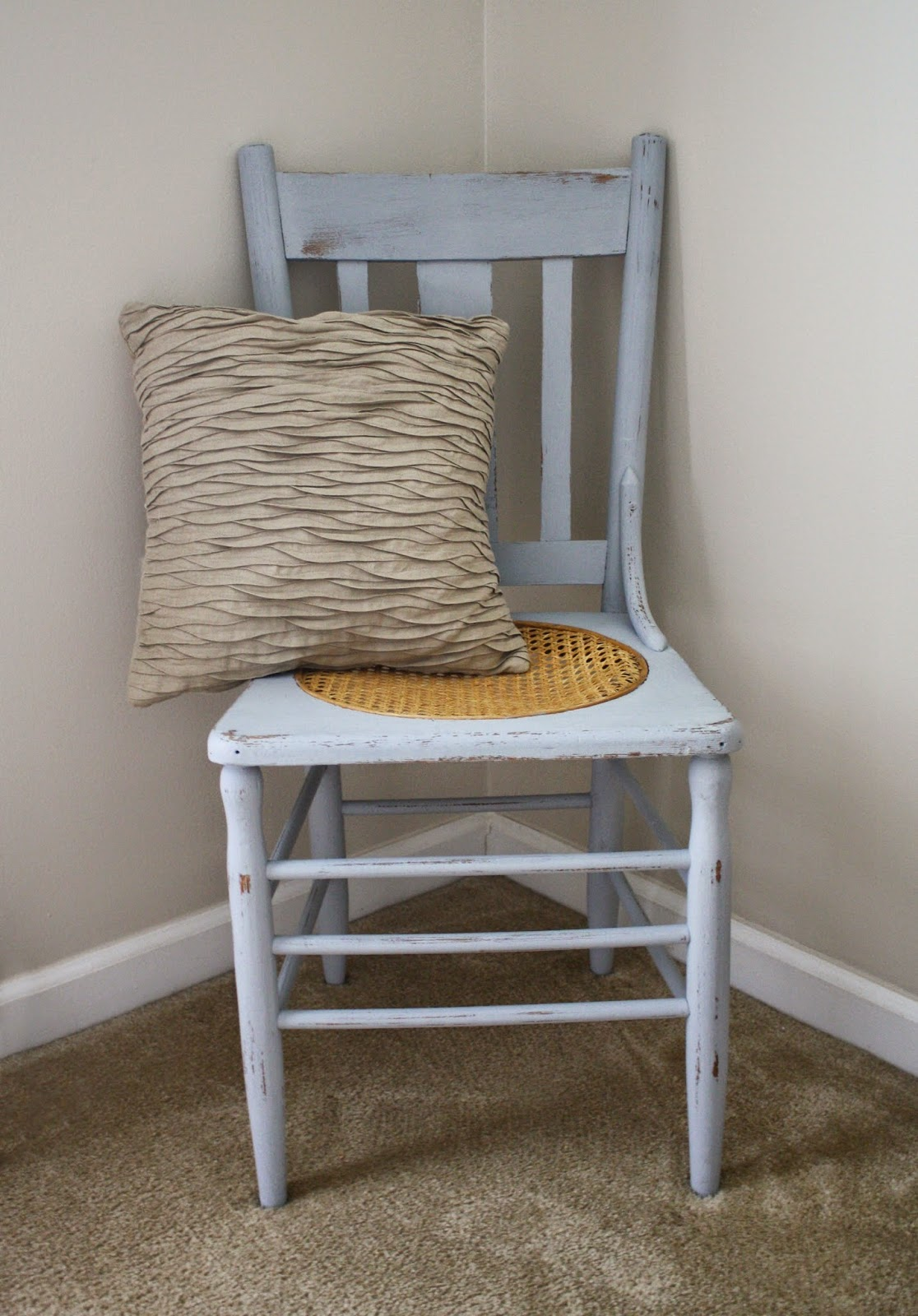 http://www.livealittlewilderblog.com/2014/06/my-blue-chair-and-intro-to-chalk-paint.html