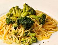 Macarrão com Brócolis (vegana)