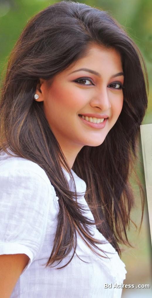 Bd Model Sarika in Screen