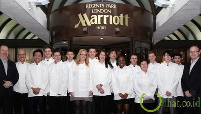 Marriot International (Manajer senior perempuan 40 persen).