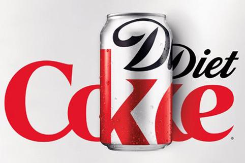 novaembalagem mostrou a paix  227 o do estilista pelo universo das    Diet Coke Logo 2013