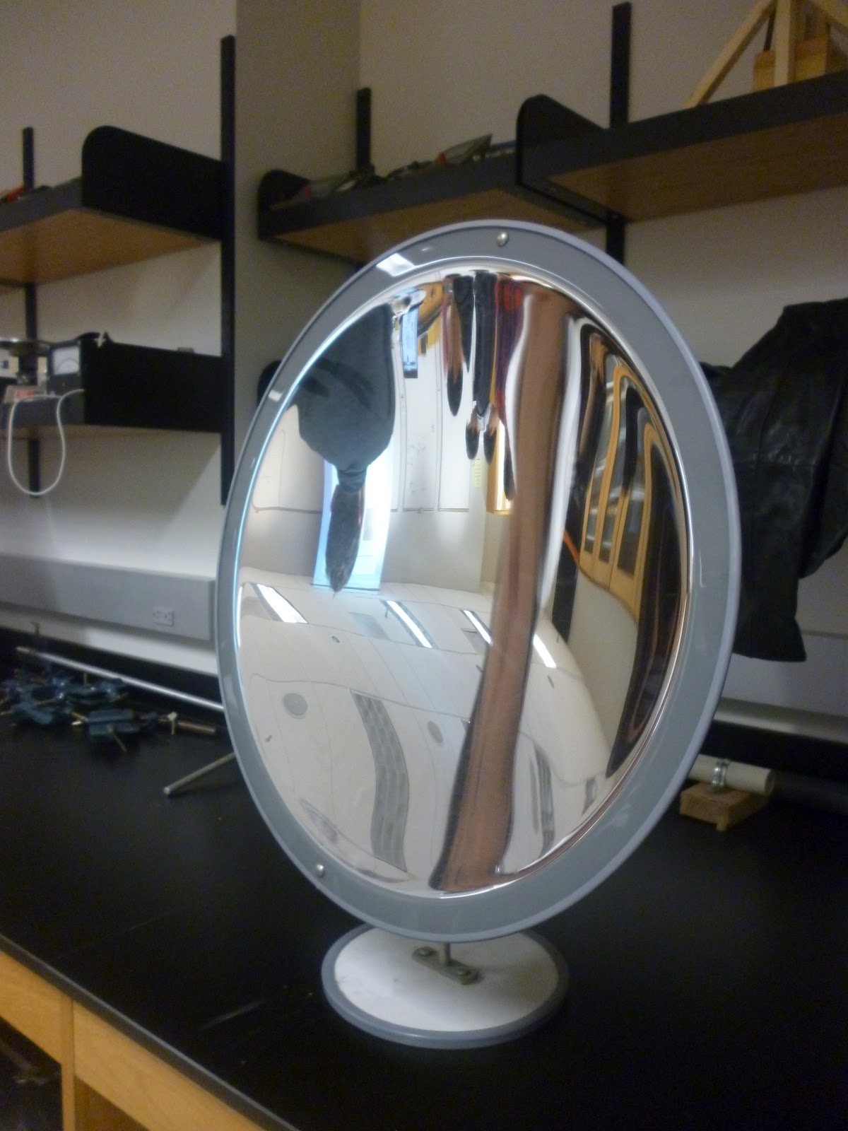 Physics 4c hynyein experiment 9 concave and convex mirrors for Miroir concave optique