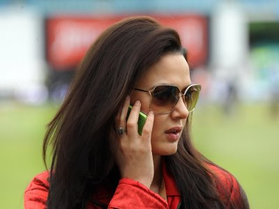 preity zinta kiss. Preity Zinta who will be seen