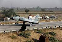 Miraaj 2000 Lands on Yamuna Expressway