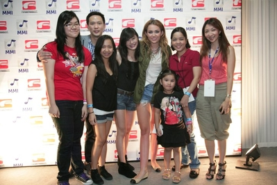 Team miley cyrus miley cyrus at the meet greet in manila miley cyrus at the meet greet in manila m4hsunfo Gallery