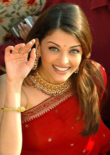 Aishwarya Rai Sharee Hot Photo