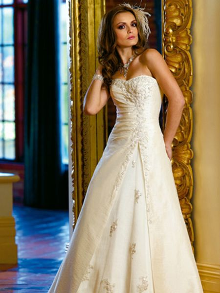 If You Want An Elegant Looking Wedding Day This Is The Right Motif For Actually Color Gold Not That Hard To Team Up With Other Colors