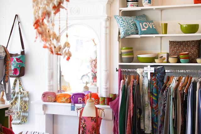 pochettes bensimon colorées - Boutique Hossegor ©lovmint