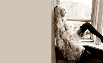 Taylor Momsen Wallpaper