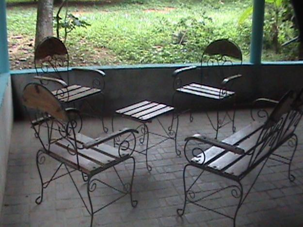 Estilo en muebles hierro forjado cocinas modernass - Muebles de hierro forjado para jardin ...