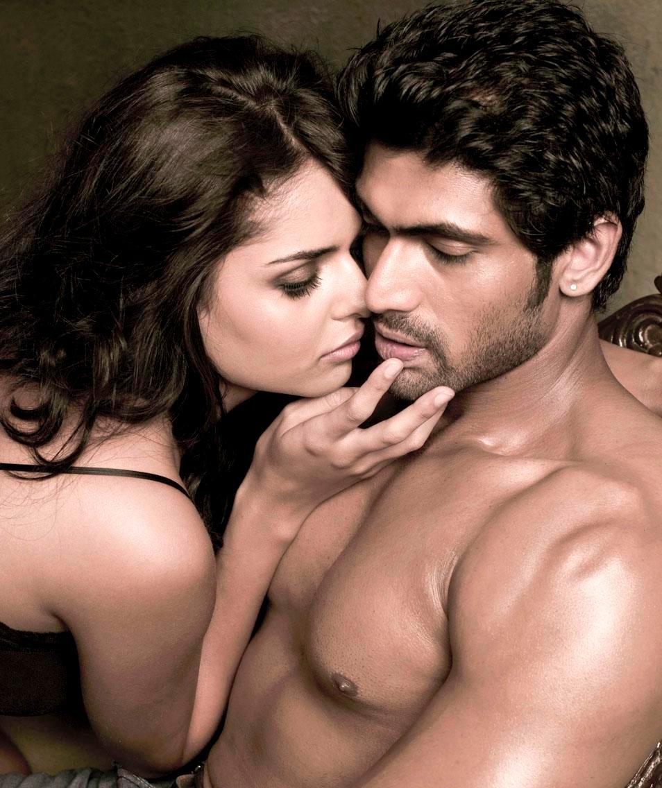 Chitrangada Singh kissing scen exposed