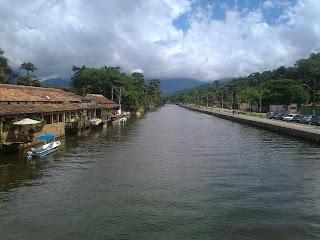 canal en paraty, brasil