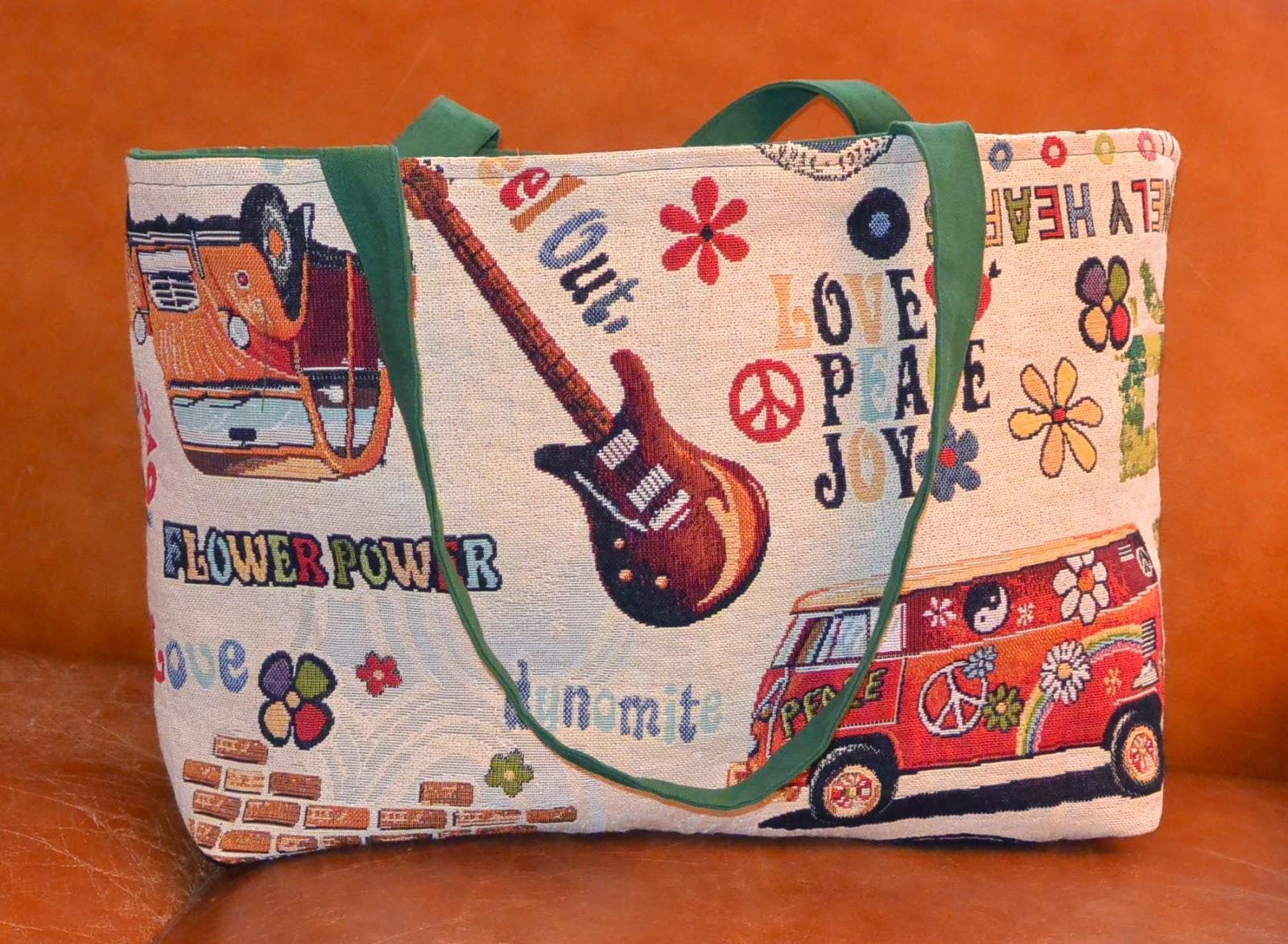 sac shopping ou de plage les beatles. tissu jacquard et coton vert sapin. poches interieurs fermeture éclair