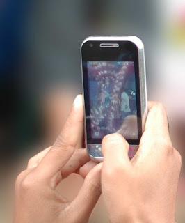 Gambar yang menampilkan cara menghasilkan foto yang baik dengan kamera ponsel