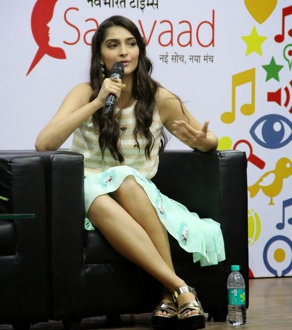sonam kapoor sexy cool looks