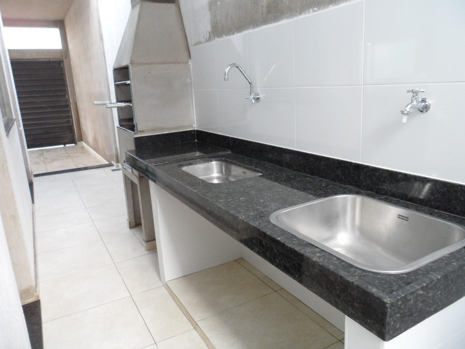 DIÁRIO DE CONSTRUÇÃO DE UMA CASA PEQUENA: REVISÃO DA SEMANA  #676050 1600x1200 Banheiro Com Blindex Preto