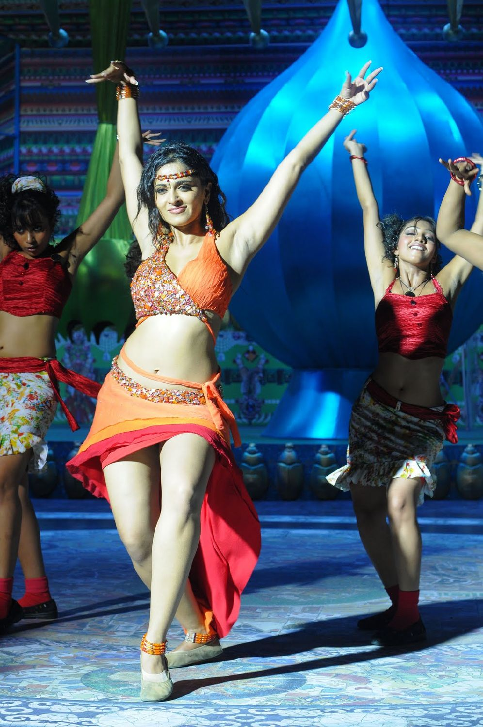 Tamil actress anushka Shetty photos
