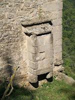 Detall arquitectònic exterior de Sant Llorenç del Munt