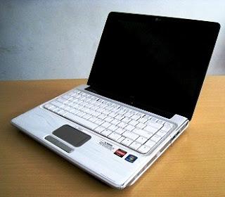 laptop hp dv4 white