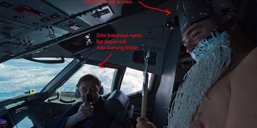 Beredar Foto Pilot Sukhoi Asyik Bergurau Saat Mengemudi Pesawat! [ www.BlogApaAja.com ]