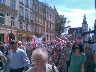 Visuale ampia sulla folla a Grozka