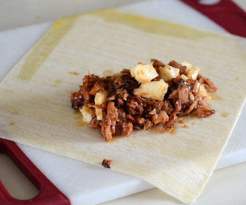 how to make BBQ eggrolls, leftover pulled pork, BBQ eggrolls recipe