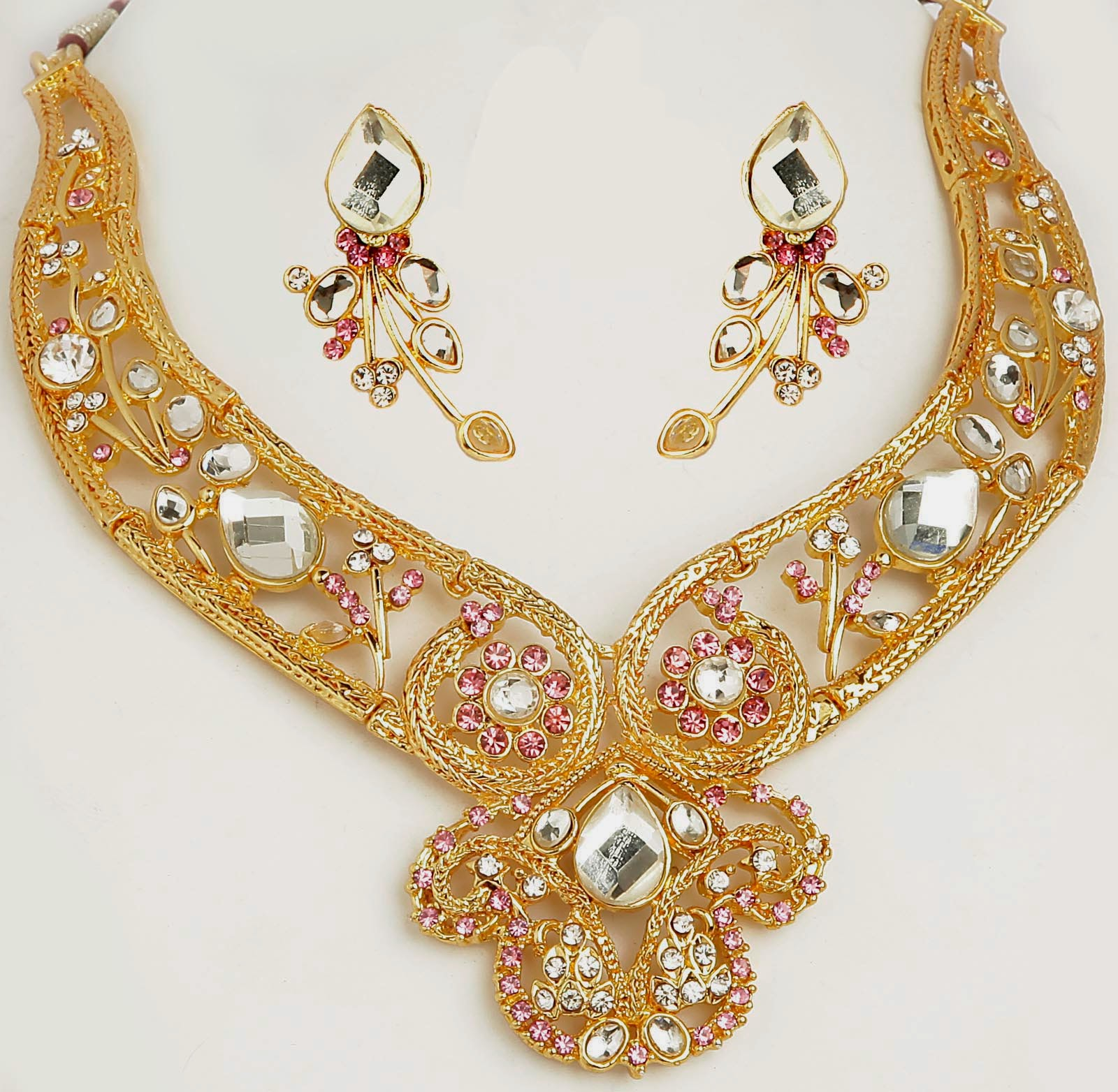 gold jewellery for womens