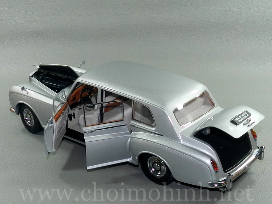 Rolls-Royce Phantom V 1964 1:18 Paragon door