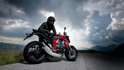 Top Motorcycle  2011 Honda CB1000R Review
