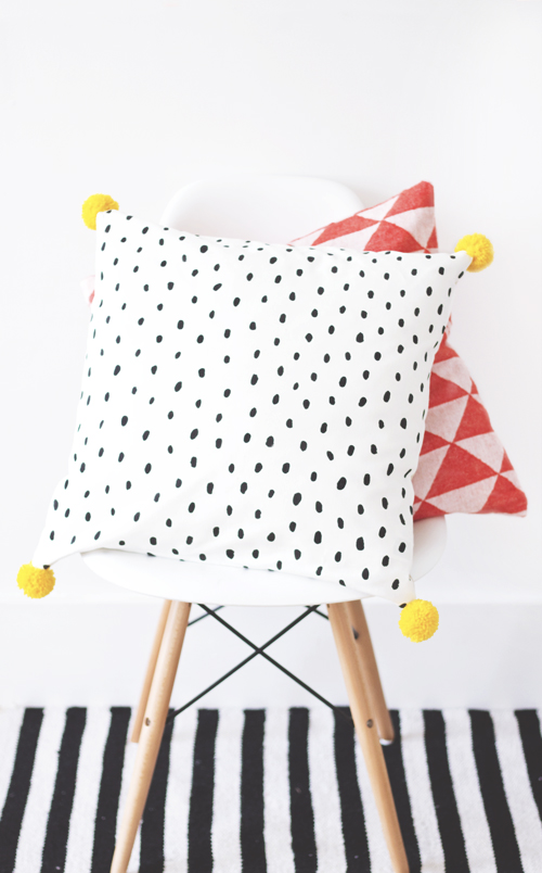 diy pillow pom