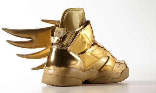 zapatillas adidas doradas con alas