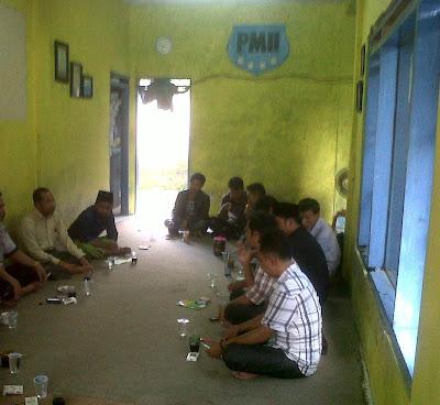 HMI dan PMII Lakukan Konsolidasi Sambut Presiden SBY di Lumajang