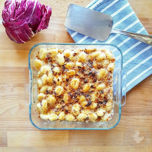 Potato gnocchi gratin with gorgonzola, mascarpone and radicchio - Gnocchi di patate gratinati gorgonzola, mascarpone e radicchio