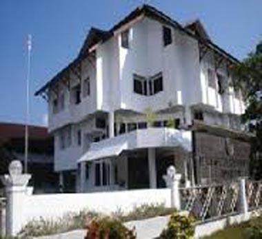 DPRD Kota Ambon melalui Komisi I melakukan tinjau lapangan ke tujuh proyek pembangunan pusat kesehatan masyarakat (Puskesmas) yang ada di Kota Ambon.