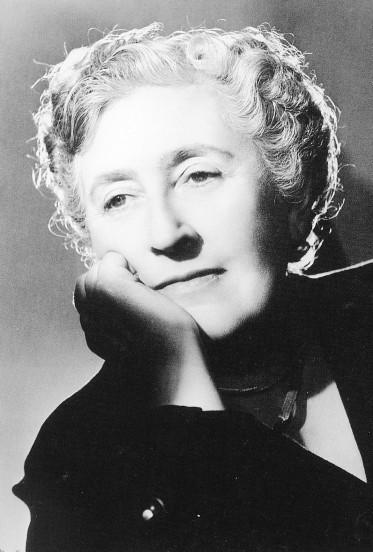 Agatha Christie Death Dead Man S Folloy  In Dinning Room